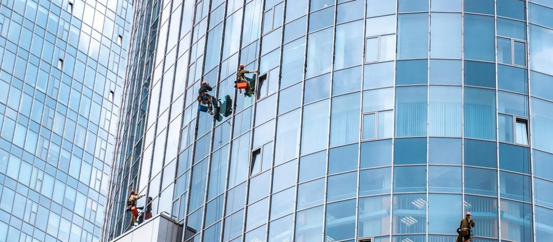 workers-washing-windows-office-building (Copy)